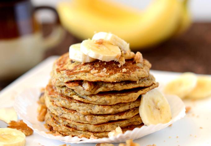 Vegan-Banana-Nut-Muffin-Pancakes-minimalistb
