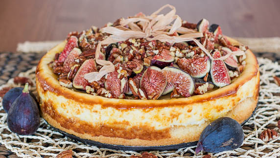 fig-cheesecake-with-pecans-and-honey-1