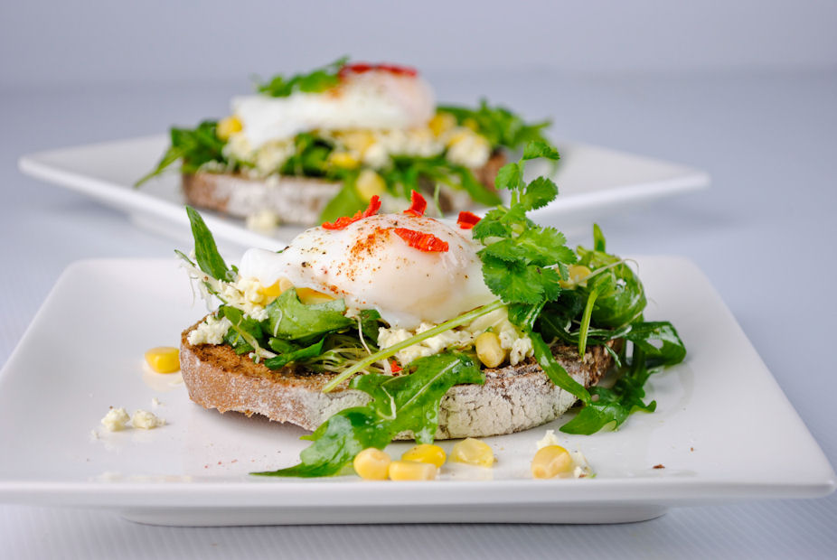 oat-cheese-arugula-and-poached-egg-open-sandwich-600