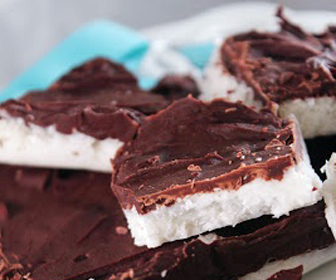 Deep-Chocolate-Coconut-Bombs