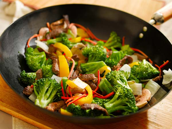wok stir fry with beef and vegetables